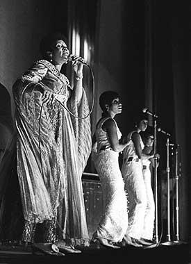 Aretha Franklin by Barrie Wentzell