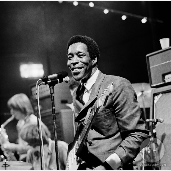 Buddy Guy by Gered Mankowitz