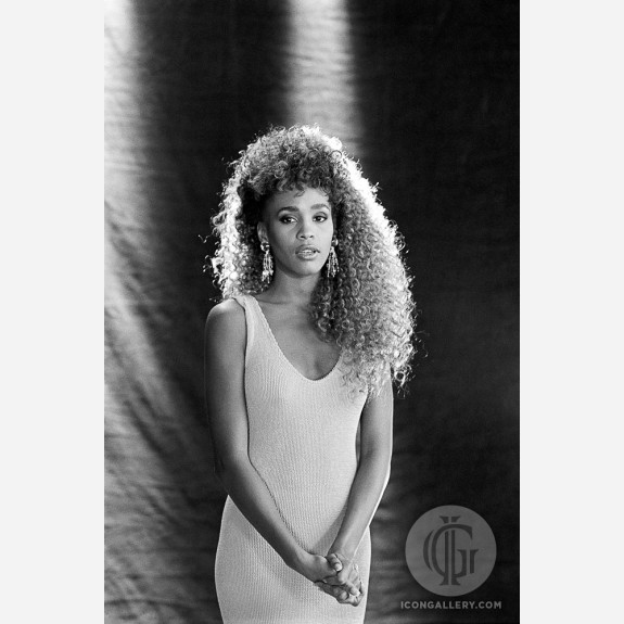 Whitney Houston by Ebet Roberts