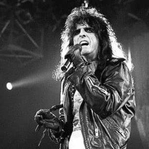 Alice Cooper by Ian Dickson