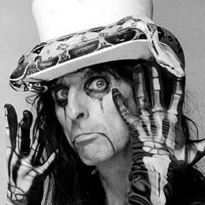 Alice Cooper by Neil Zlozower