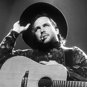 Garth Brooks by Ken Settle